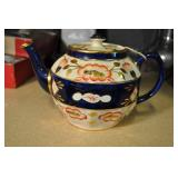 Sadler Tea Pot, Hand Painted Floral Pattern On