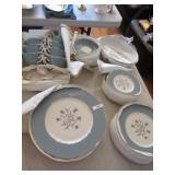 47 pc Lenox Kingsley china: 8 dinner plates, 9