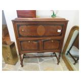 Pooley & Co Model 1620 radio cabinet-lower right