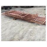7 Fence Panels w/ 1 Gate Opening