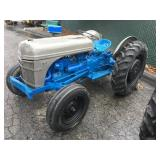 Ford 8N Tractor - 3 pt hyd. works well