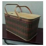 Plaid Pattern Picnic Box