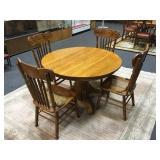 Round Oak Table w/ 4 Oak Chairs