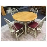 Table w/ 2 Leaves & 4 Chairs
