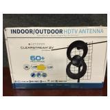Indoor/Outdoor Clearstream HDTV Antenna w/ Mount
