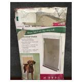 PetSafe X-Large Plastic Pet Door