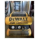 Dewalt 4 Gallon Emglo Portable Air Compressor