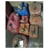 (8) Plastic & Metal Gas Cans