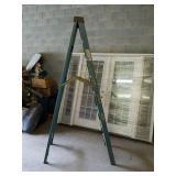 Nice Werner fiberglass 8 foot ladder