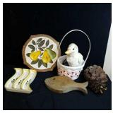 Baskets, pear plaque, corn dish and misc