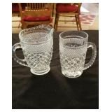 Large size cream & sugar set approx 5 inches tall