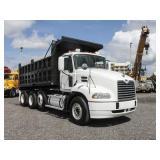 2006 MACK VISION CXN612 Tri-Axle Steel Dump Truck