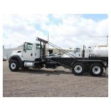 2013 INTERNATIONAL WorkStar 7600 Roll-Off Truck