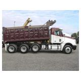 2007 FREIGHTLINER COLUMBIA Tri-Axle Steel Dump Tru