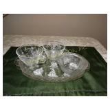 2 Luncheon plates w/ cups & 1 small dish - grape