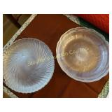 2 set of glass lunch plates, different pattern