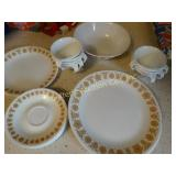Corelle butterfly pattern, 8 plates, 8 cups and