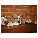 Lot of angels, egg, sea shells, souvenir bank