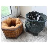 Cast iron flower (pot) and coconut lined flower