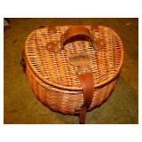 Hickory Farms wicker picnic basket w/contents