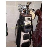 Burton golf bag w/11 golf clubs
