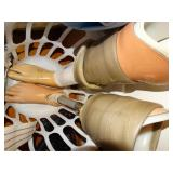 2 right footed prosthetic legs, with accessories,