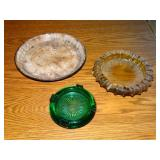 2 glass ash trays and blue granite ware pie pan