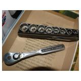 Craftsman socket set with wrench 3/8 - 13/16