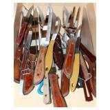 Contents of drawer - knives