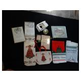 Williamsburg:  beverage bag, tote, Christmas
