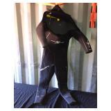 Aqua Lung wetsuit size XLS 8:7mm