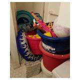 LOT OF ASSORTED POOL ITEMS