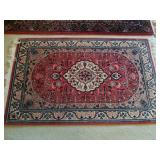 SMALL ORENTIAL RUG