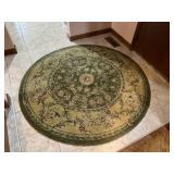 Machine made round rug