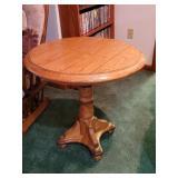 Round oak lamp table