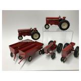 Ertl International Harvestor 1:16 Farm Toys