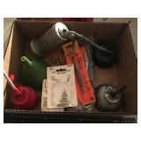 misc box of oil cans, greese cans, wire lrg square
