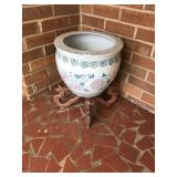 Flower pot with wood base