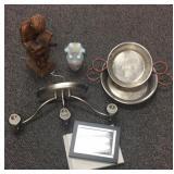 Statue, vase, light & copper pans