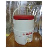 Igloo drinking cooler