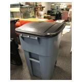 Large Rubbermaid Commercial Rolling Trashcan 2of2