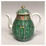 Chinese export porcelain Famille Verte teapot