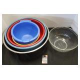 Mixing Bowls & Pyrex Bowl