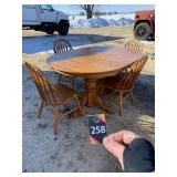 Oak Dining Table, 4 Chairs & 3 Leaves