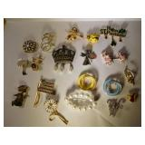 19 costume jewelry brooches
