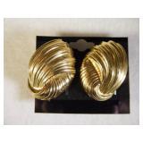 14kt Designer Scallop Earrings