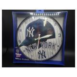 NIP New York Yankees Round Wall Clock