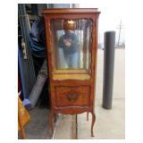 Vintage 2 Glass Shelves Lighted Curio