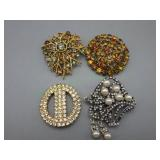 4 Vintage Brooch / Pins