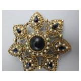 Vintage Ladies Brooch